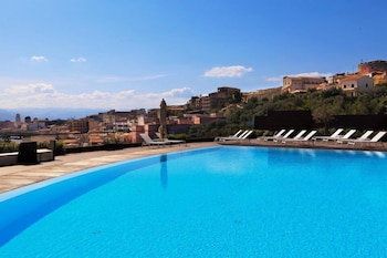 Enter your dates for special Milazzo last minute prices