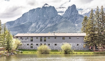 Picture of Lamphouse Hotel in Canmore