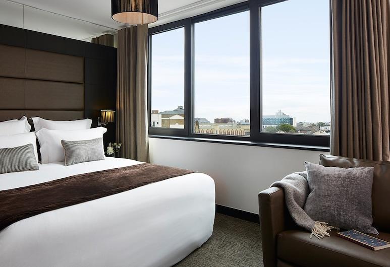 The Westbridge Hotel, London, Deluxe Double Room, Guest Room