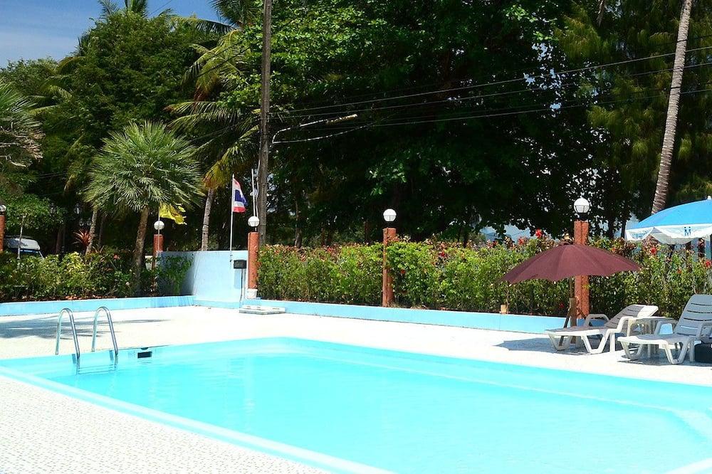 Открытый бассейн