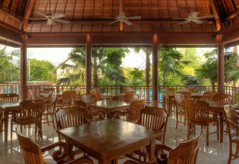Koenokoeni Villa, Seminyak, Açık Havada Yemek