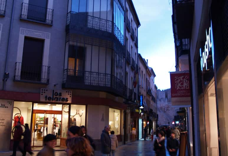 Hotel Las Moradas, Avila, Courtyard
