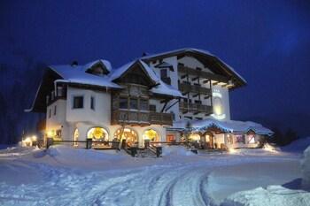 Picture of Hotel Cristallo in Moena