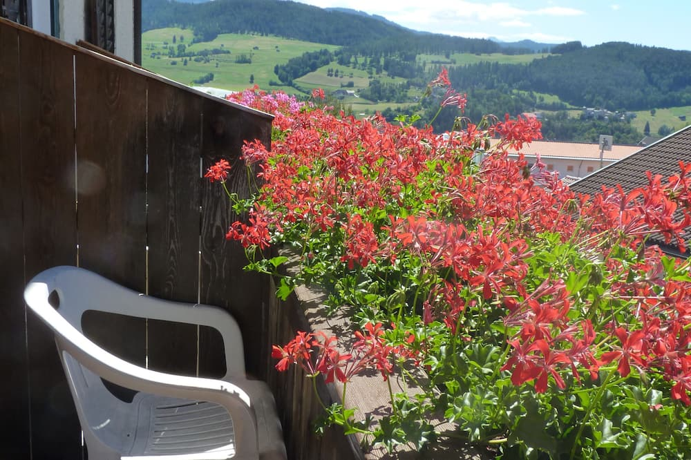 Single Room - Balcony View
