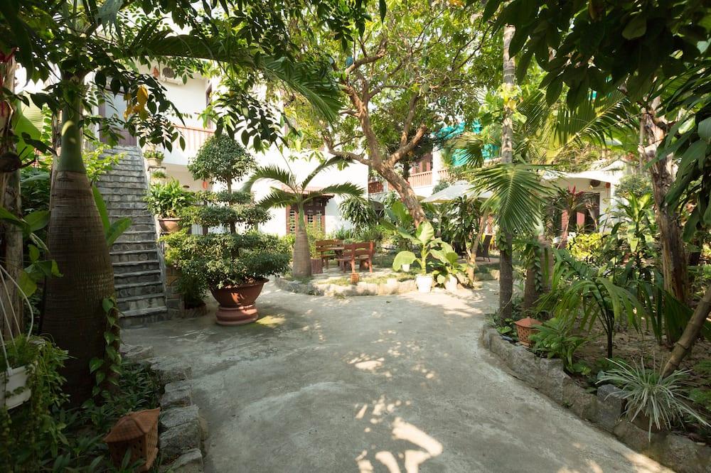 Camera Superior, 1 letto king, fumatori, vista giardino - Immagine fornita dalla struttura