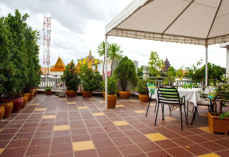 One Up Banana Hotel, Phnom Penh, Terraza o patio