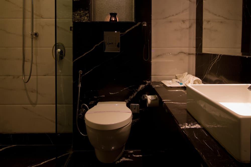 Двомісний номер «Делюкс», 1 двоспальне ліжко - Ванна кімната
