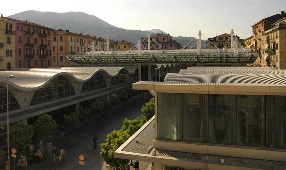 book urban chic house in la spezia | hotels.com - Soggiorno Urban Chic