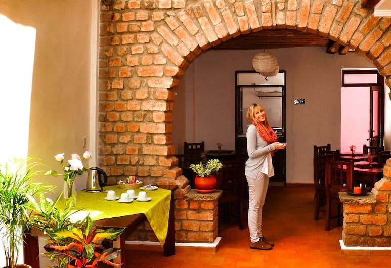 Casa de las Rosas, Cuenca, Sala colazione