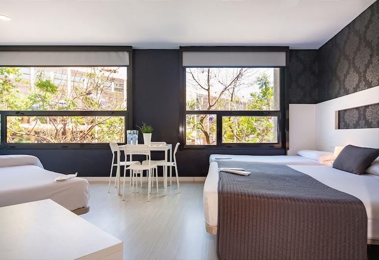 Barna House Hotel, Barcelona, Standard fyrbäddsrum - utsikt mot staden, Gästrum