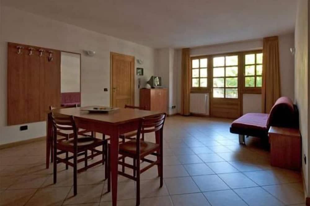 스탠다드 아파트, 침실 2개, 주방 - 객실 내 다이닝