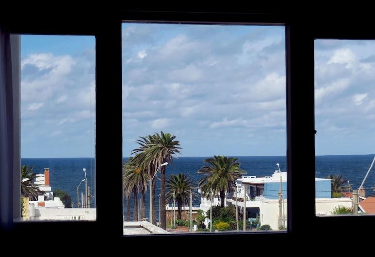 أطلانتيكو بوتيك هوتل, بونتا ديل ايستي, غرفة ديلوكس ثلاثية, منظر من غرفة الضيوف