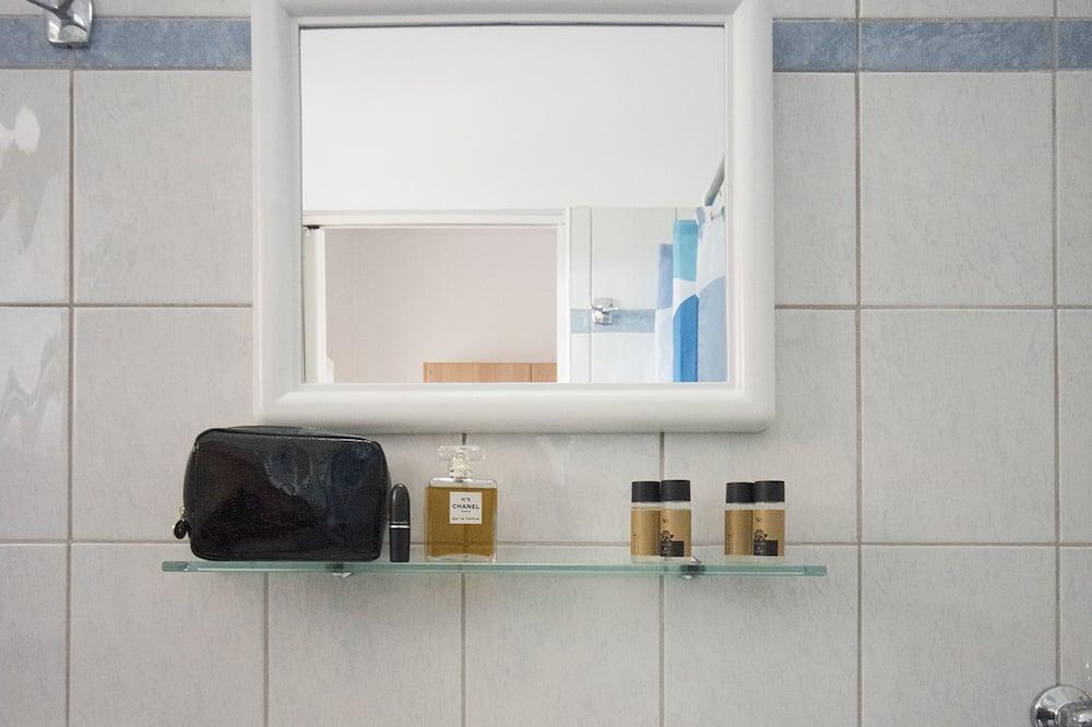 Basic Apartment, 1 Bedroom, Kitchen - Bathroom