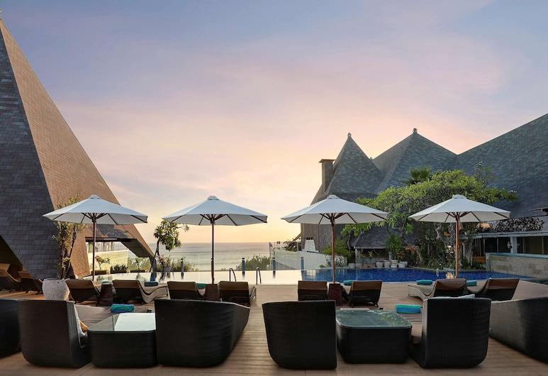 The Kuta Beach Heritage Hotel Bali - Managed By AccorHotels, Kuta, Pool på tagterrassen