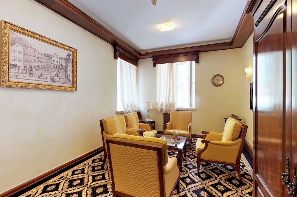 סוויטת דה-לוקס, 2 חדרי שינה, נוף לעיר - אזור מגורים