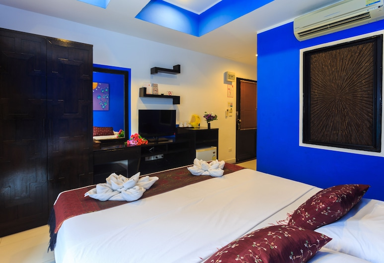 Long Beach Hotel Patong, Patong, Deluxe Double Room, 1 Double Bed, Non Smoking, Partial Sea View, Guest Room