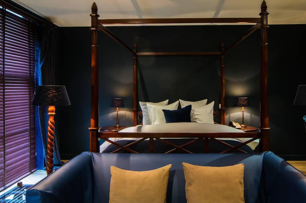 Luxury Suite - Guest Room