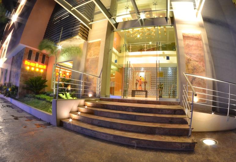 Hostalia Hotel Expo & Business Class, Guadalajara, Entrada interior