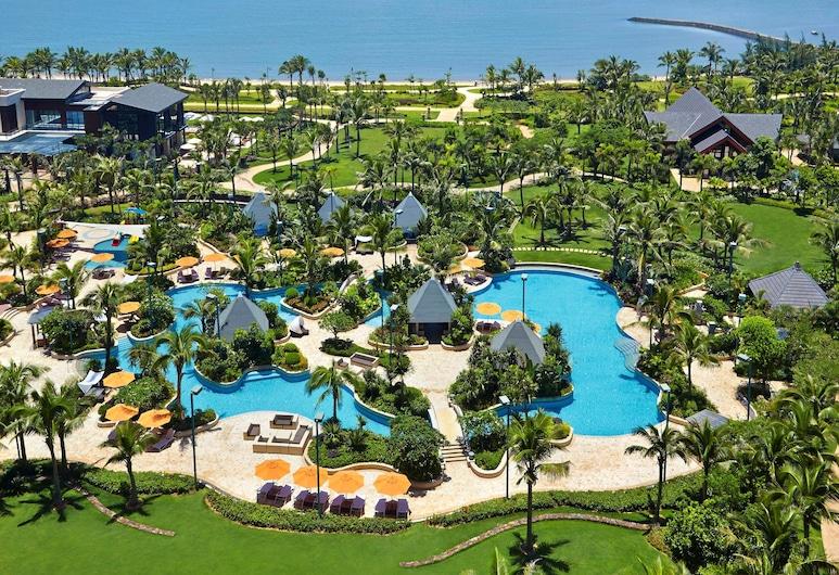Shangri-La Hotel, Haikou, Гайкоу, Номер категорії «Прем'єр», 1 ліжко «кінг-сайз», з видом на море, Вид з номера