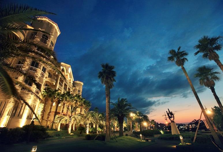 济州索诺美丽酒店 - 原济州大明度假村, Jeju City, 酒店正门 - 夜景