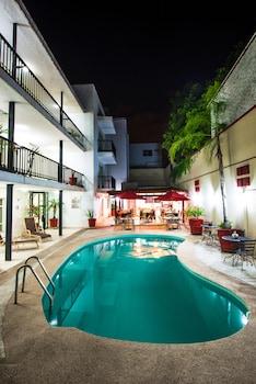 Фото Del Marqués Hotel and Suites у місті Гвадалахара