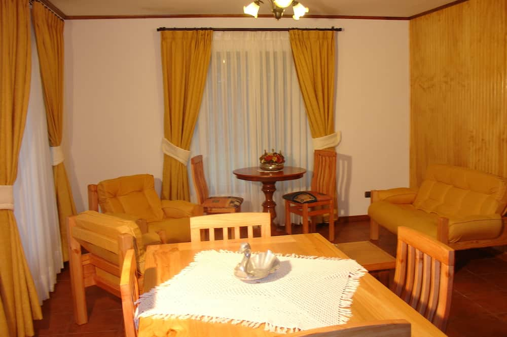 Bungalow, Garden View (For 6 people) - Living Area