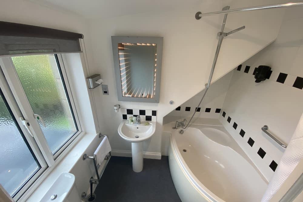 Cottage, Ensuite (Two bedroom) - Bathroom