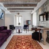 King Suite with Balcony - Oturma Odası
