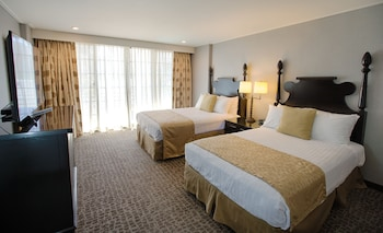 Choose This Cheap Hotel in Honolulu