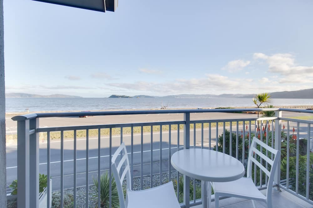 Sea View Suite, SPA Bath, with Balcony-Top Floor - Beach/Ocean View