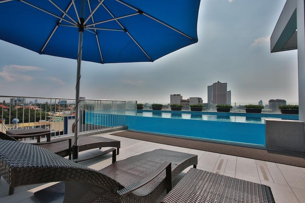 Luxent hotel quezon city philippines quezon city hotel discounts luxent hotel quezon city outdoor pool malvernweather Images