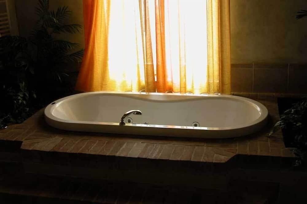 Deluxe-dobbeltværelse - udsigt over vingård - have-område - Dybt badekar