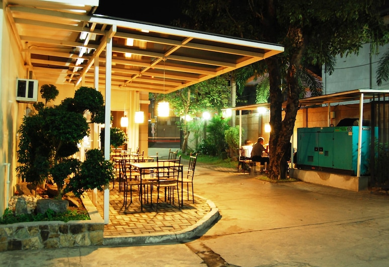 Rumi Apartelle Hotel, Angeles City, Property Grounds