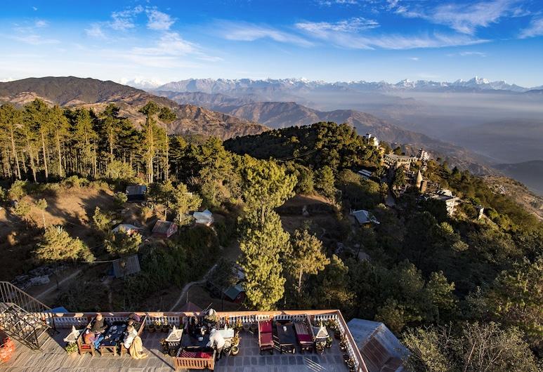 Peaceful Cottage & Cafe du Mont, Nagarkot, Property Grounds