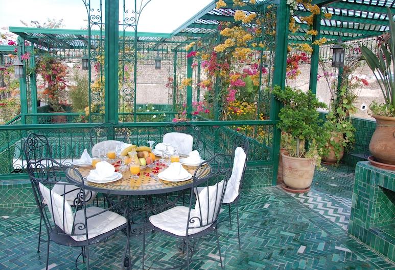 Riad La Maison Verte, Fès, Restauration en terrasse