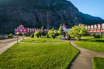 Picture of Three Valley Lake Chateau in Revelstoke