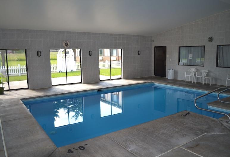 Sky Lodge Inn & Suites, Делаван, Закрытый бассейн