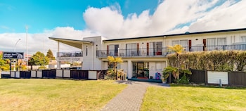 Picture of Silver Fern Lodge in Taupo