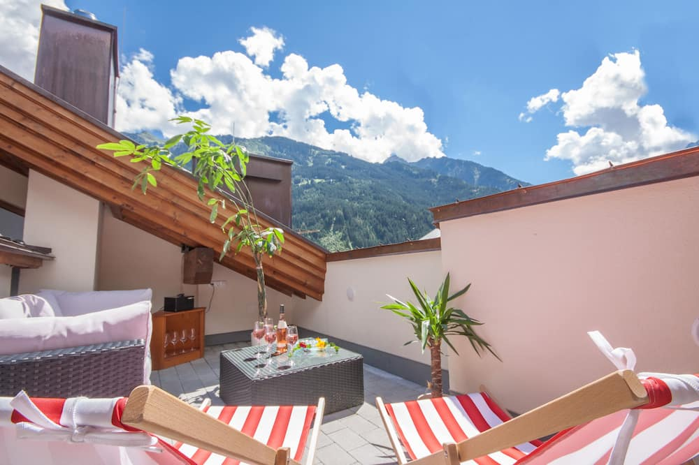 Deluxe Penthouse, 4 Bedrooms, Sauna, Mountain View (Private Spa & rooftop Terrace) - Terrace/Patio