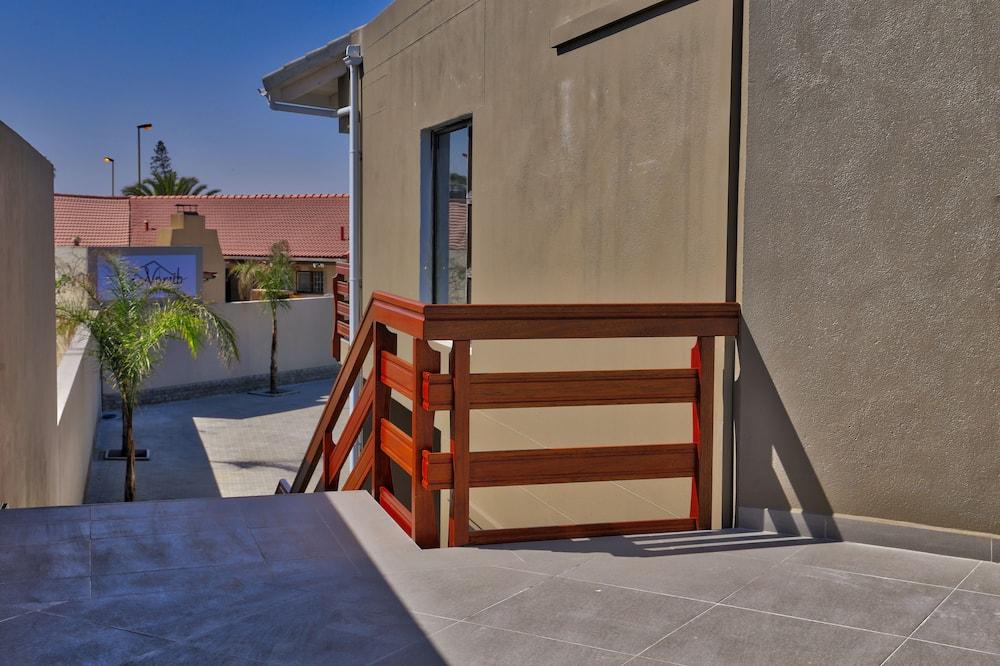 Номер «люкс» - Вид на двор