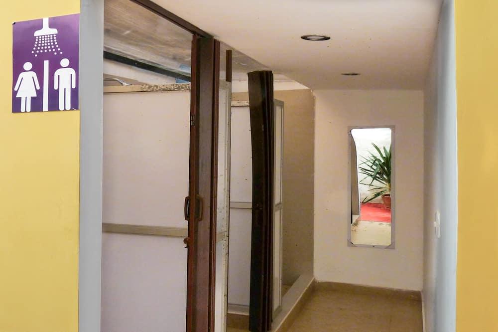 Dormitorio Compartido x 8  - 浴室