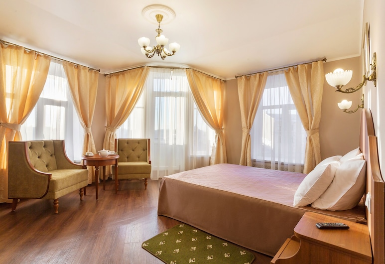 Hotel Gogol, St. Petersburg, Junior Suite, 1 Double or 2 Twin Beds, Canal View, Guest Room