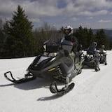 Braukšana ar sniega motocikliem