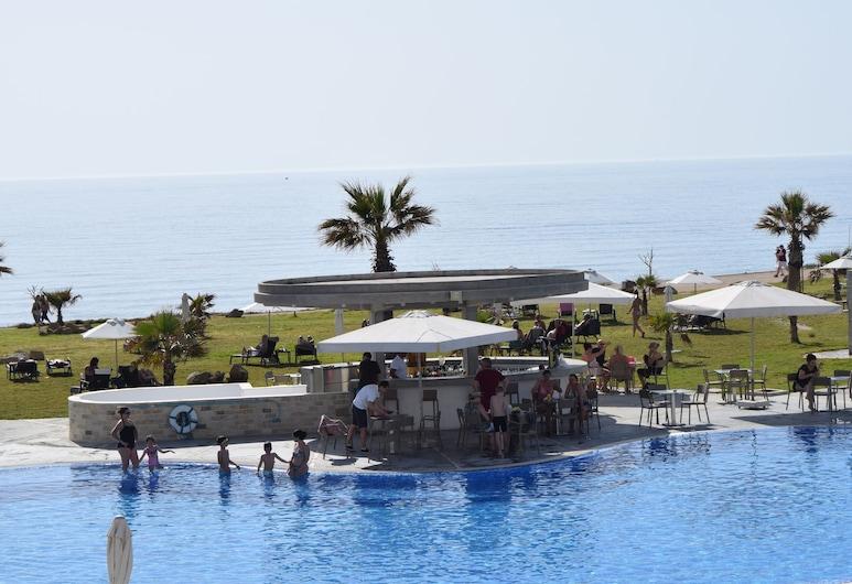 Amphora Hotel & Suites, Paphos, Pool