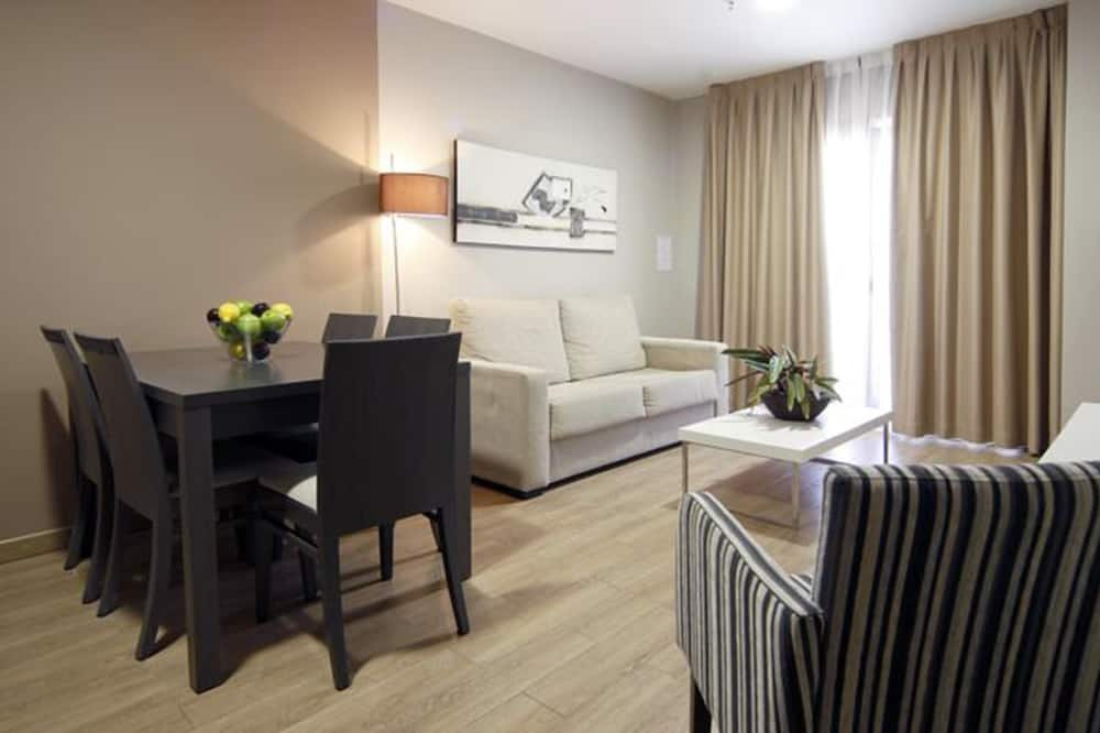 Apartment, 2 Bedrooms (For 6 People) - Living Area