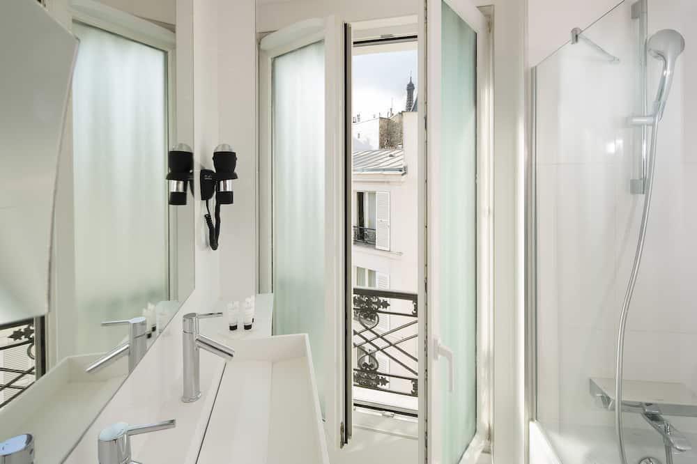 Prestige Room - Bathroom