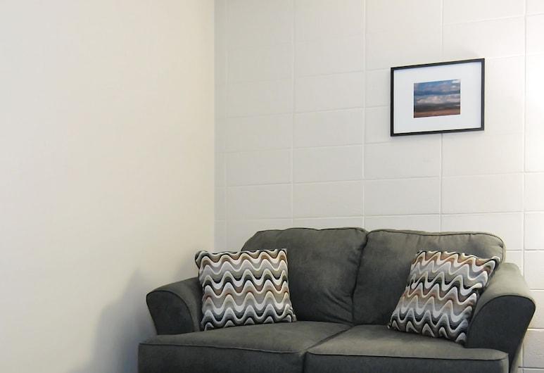 Canadian Motor Inn, Grande Prairie, Standard tuba, 1 lai voodi, Lõõgastumisala