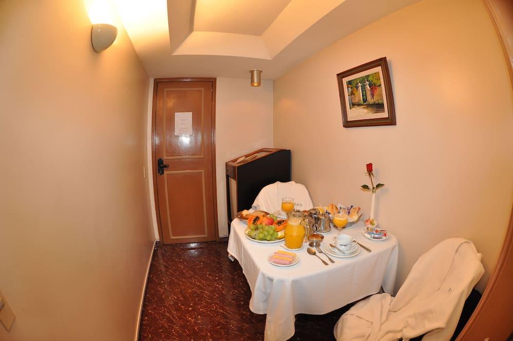 Superior Room - Odada Yemek Servisi