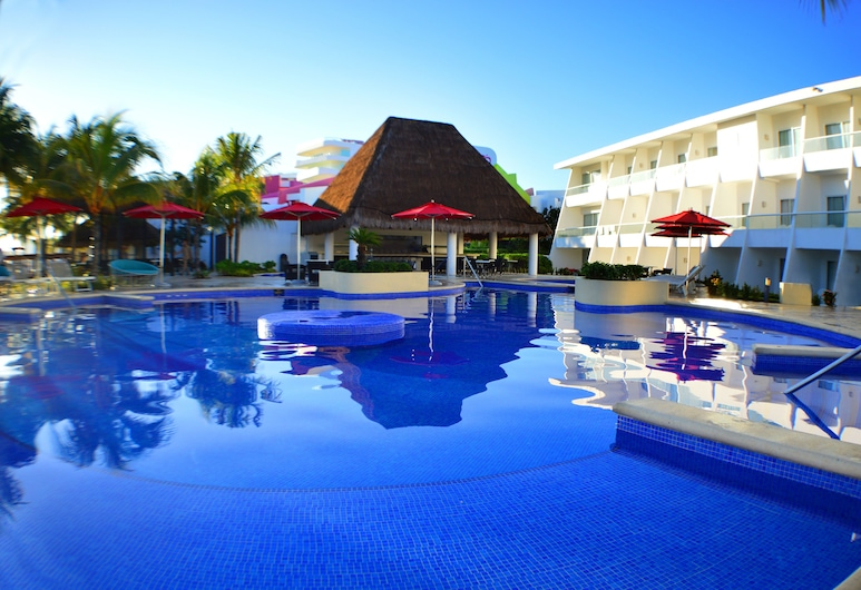 坎昆灣全包式渡假村, 坎昆, 室外游泳池