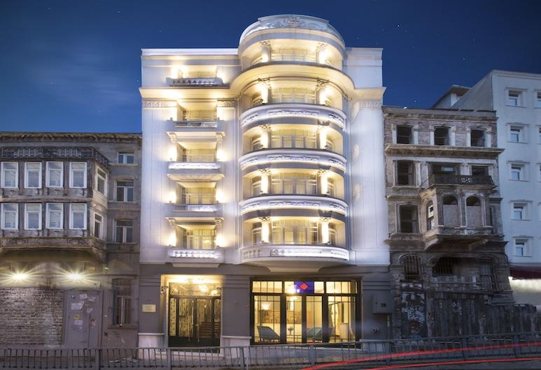 塔克西姆佩拉瓦頓飯店, 伊斯坦堡, 飯店入口 - 夜景